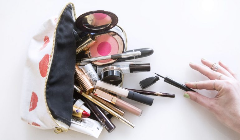 The must have cosmetics of the face make-up you need to have in your vanity bag